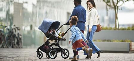 Bugaboo Fox ist der ultimative Kinderwagen der alles kann. Celebrates 20 Years! Babycare.nl offers a free accessry pack. Bugaboo Kinderwagen versenden weltweit über Babycare.nl.