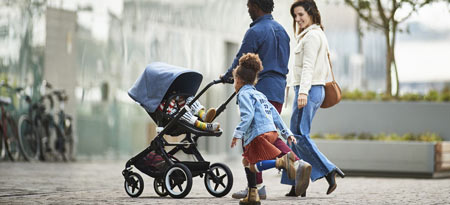 The Bugaboo Fox is the one-can-do-all full terrain stroller. Babycare.nl ships worldwide.